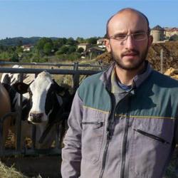 Florentin Dumas est à la tête d'une exploitation laitière dans les Monts d'Or